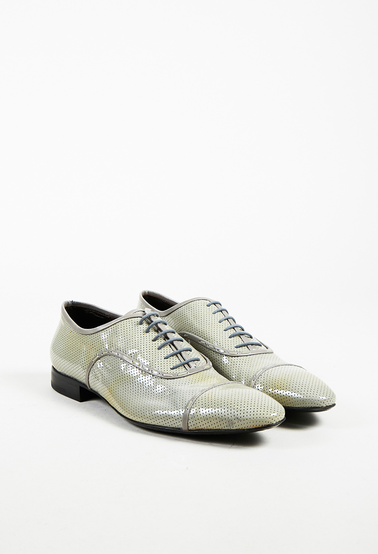 Men's Gray Patent Leather Perforated Lace Up Oxfords